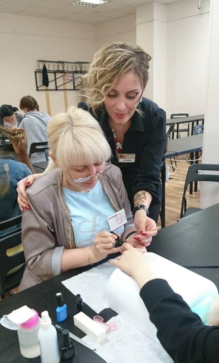 техника нанесения лака для ногтей