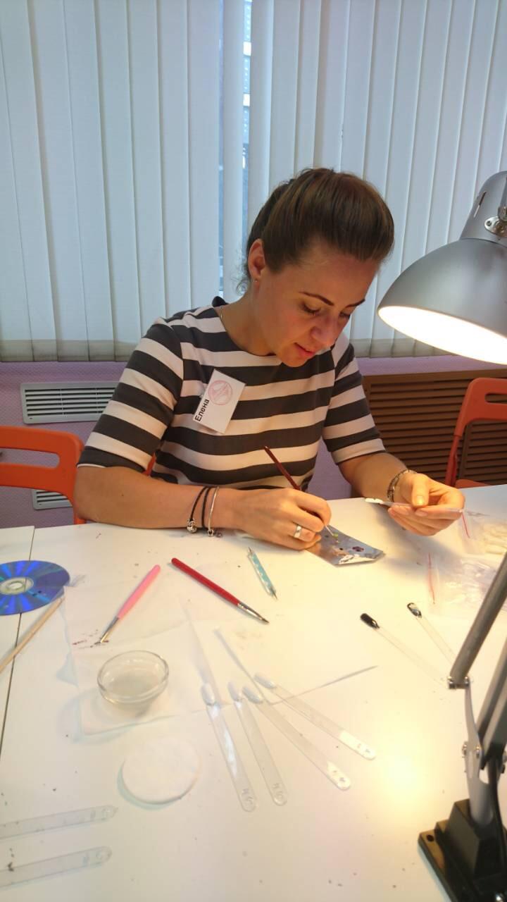 обучение акварельной технике в дизайне ногтей