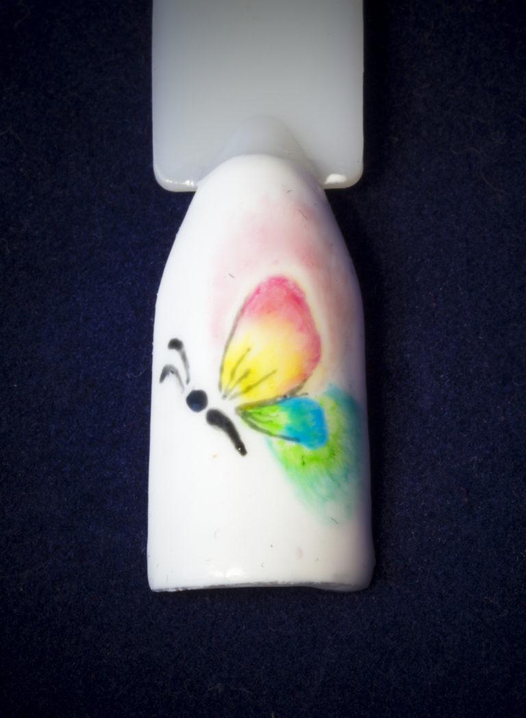 акварельная техника в дизайне ногтей - пример